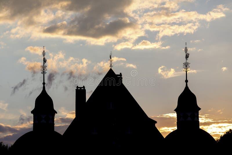 Pôr do sol da sombra do nrw de Alemanha do neuenhof do castelo imagens de stock royalty free