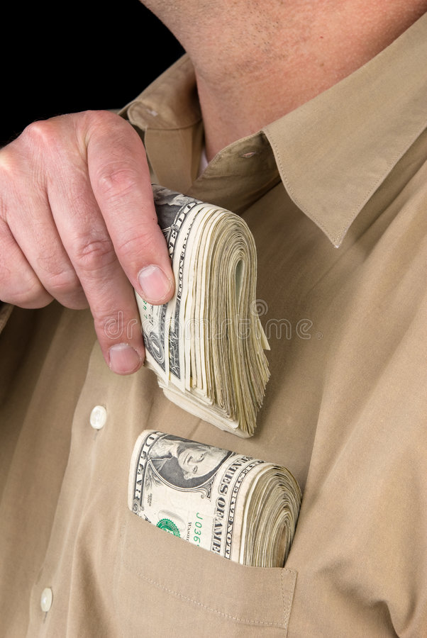 Põr desconta dentro o bolso da camisa fotografia de stock royalty free
