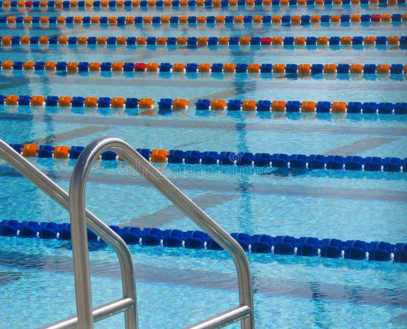 Download Pöl 2 arkivfoto. Bild av float, linje, athirst, grått, simning - 522446
