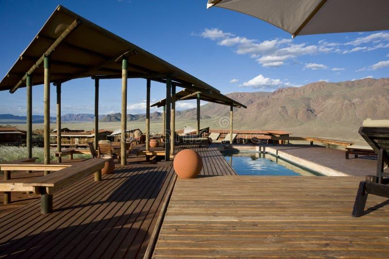 Pöl av ett mycket lyxigt hotell i Namibia royaltyfria foton
