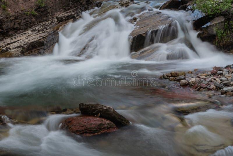 Pöl under Wilbur Falls i glaciär arkivfoto