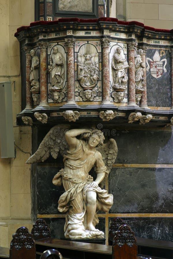 Púlpito en la catedral de Zagreb dedicada imagen de archivo libre de regalías