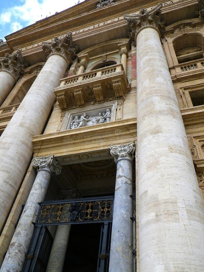 Púlpito papal de la basílica del ` s de San Pedro - Ciudad del Vaticano, Italia fotos de archivo libres de regalías