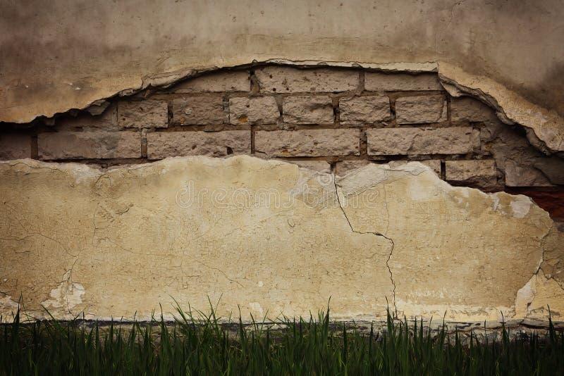 Pęknięcie w starej ścianie obrazy royalty free