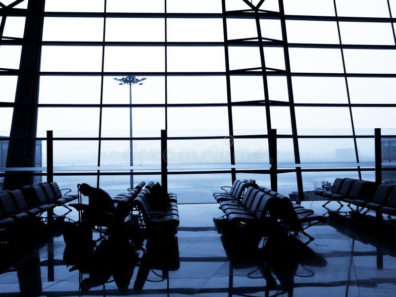 płaski podróżniczy czekanie zdjęcie royalty free