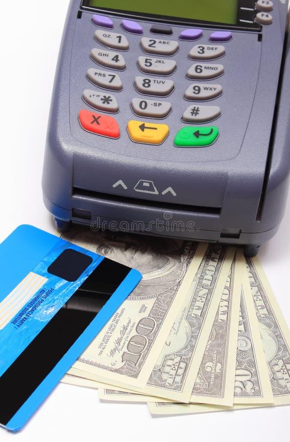 Download Płatniczy Terminal Z Kredytową Kartą I Pieniądze Obraz Stock - Obraz złożonej z pieniężny, kardamon: 57655749