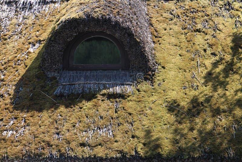 Płocha dach z okno na domu w Tihany półwysepie, Balaton fotografia royalty free
