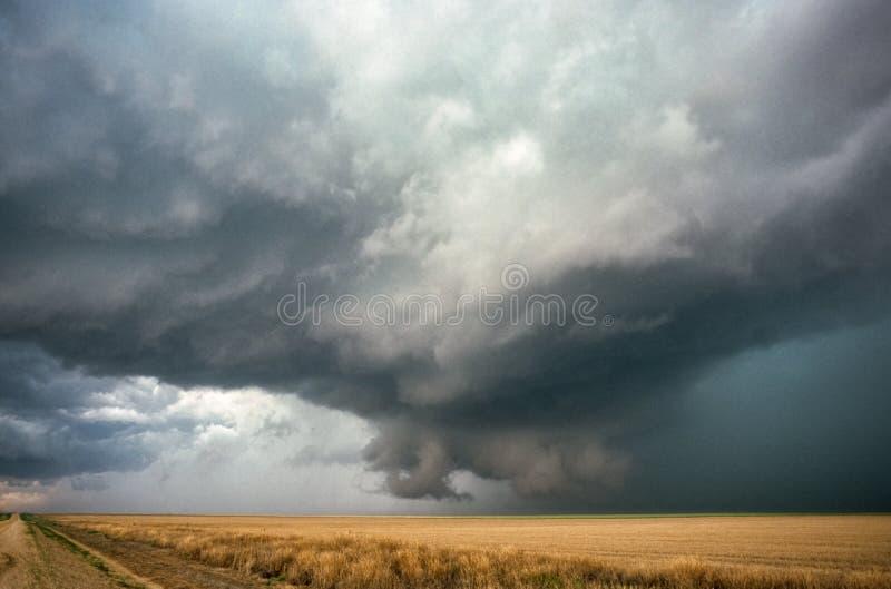 Płodozmienna ściany chmura nad równinami wschodni Kolorado fotografia stock