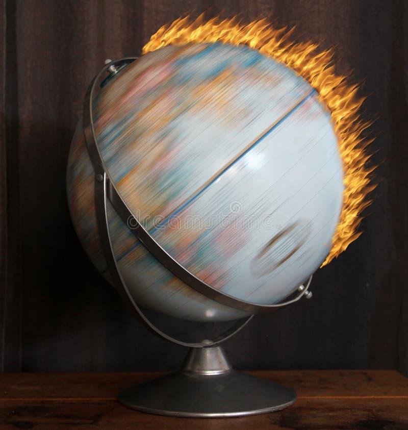 Płomienna kula ziemska obrazy royalty free