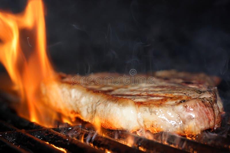 płomienny stek obraz royalty free