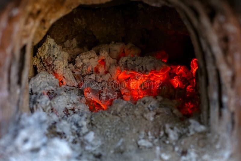 Płonąca łupka, rozjarzony węgiel fotografia royalty free
