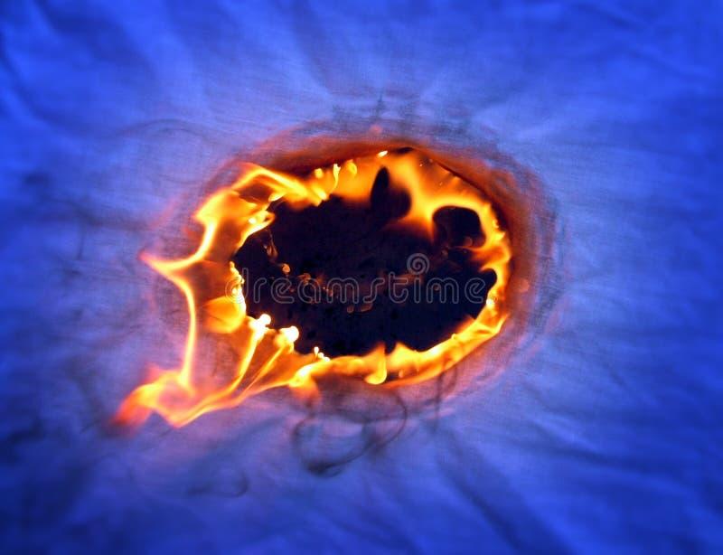 płonąca pożarnicza dziura zdjęcia royalty free