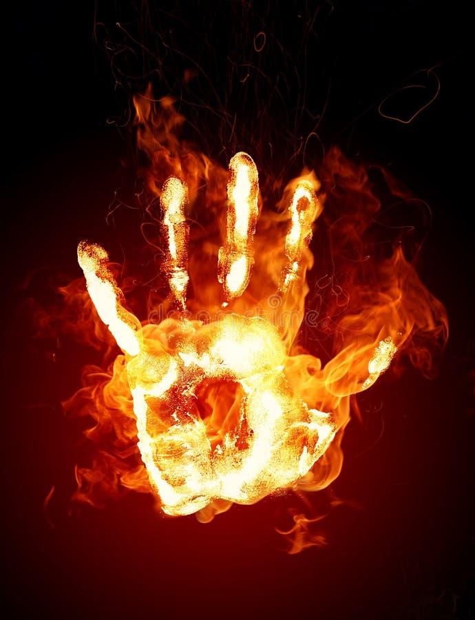 płonąca ręka