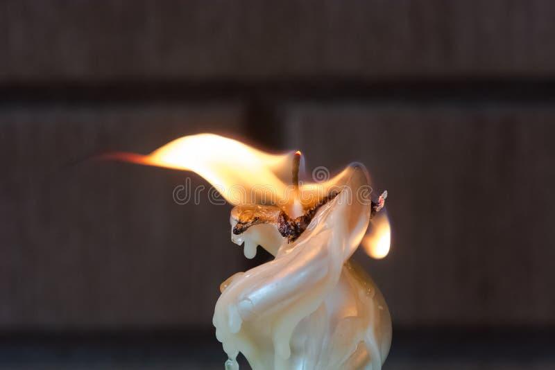 Płonący świeczka ogień obrazy stock