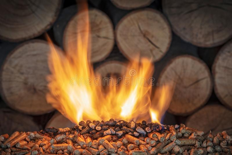 Płonący drewniany wyrko obraz stock