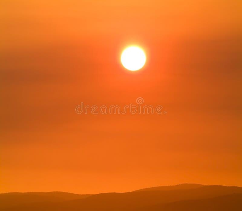 płonący słońce obrazy stock