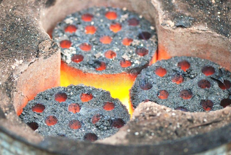 płonący węgiel zdjęcie stock