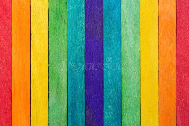 Płotowa drewniana tęcza kolorowa dla drewnianego textured tła use fotografia stock