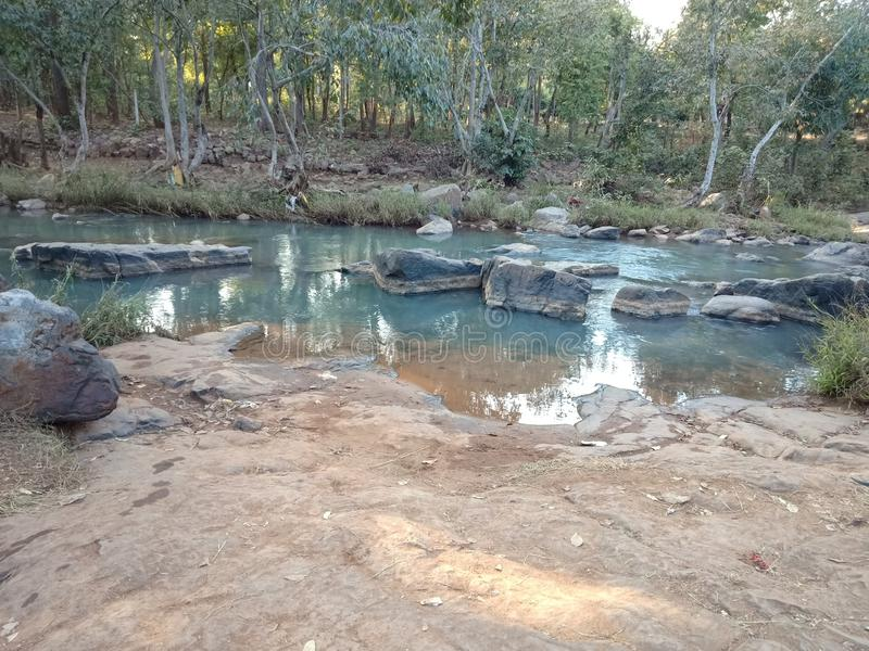 Płytki halny strumień w Odisha obrazy stock