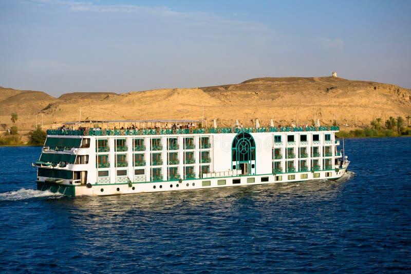 Pływać statkiem w dół Nil w Rzecznym statku wycieczkowym zdjęcia royalty free