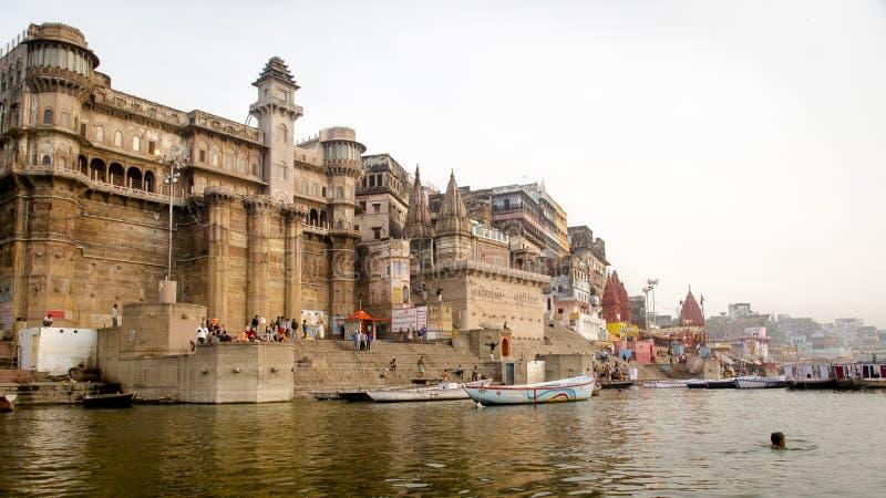 Pływać w prawdziwej Ganges rzece zdjęcie royalty free