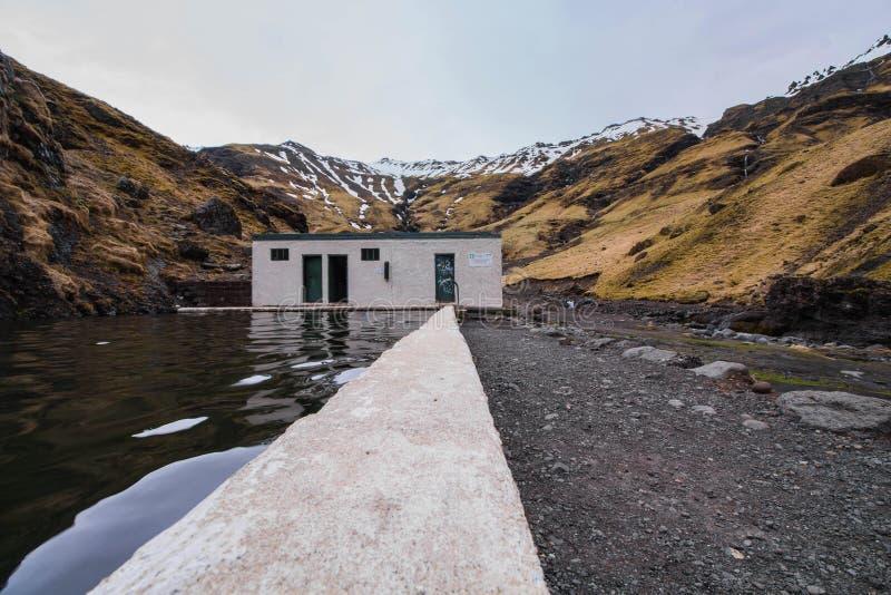 Pływacki basen w Iceland obrazy stock
