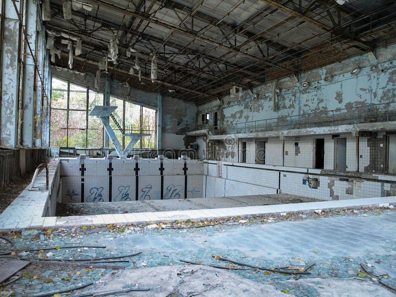 Pływacki basen w Pripyat miasto widmo blisko do Chernobyl, 2016 obrazy royalty free