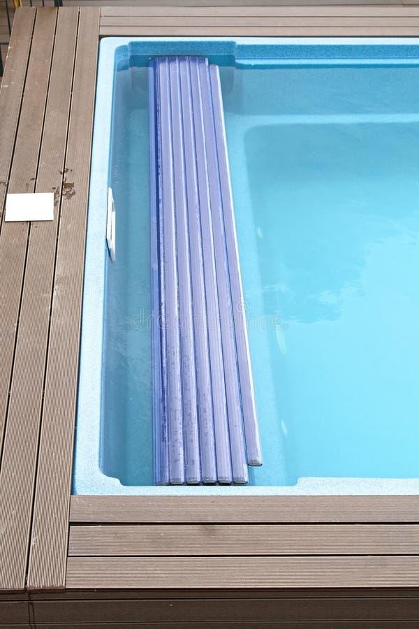 Pływackiego basenu pokrywa obraz stock