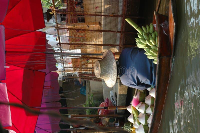pływający kokosowy rynku bananów, obraz royalty free