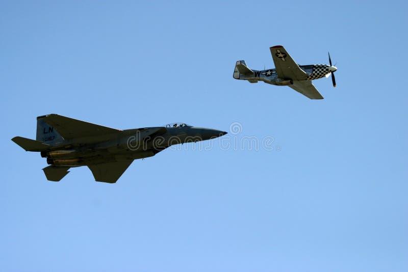 P51D μάστανγκ & Grumman φ-14 Tomcat στοκ εικόνες