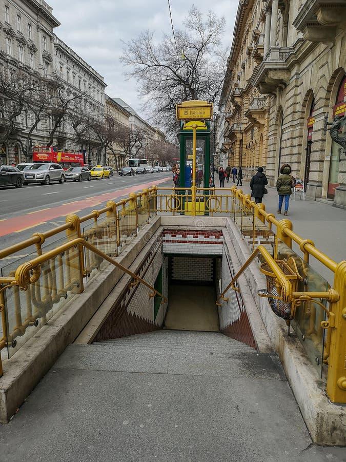 P? gatorna av Budapest arkivbilder
