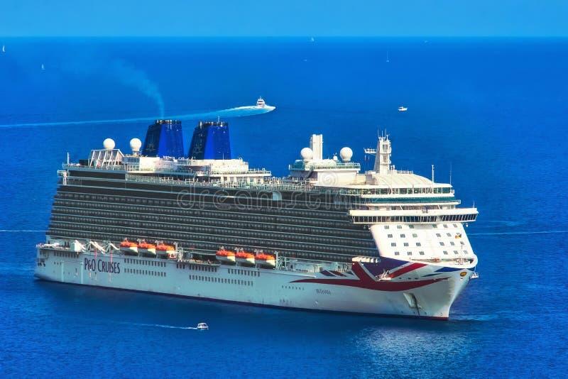 P&P gira Britannia nel mar Mediterraneo fotografia stock libera da diritti