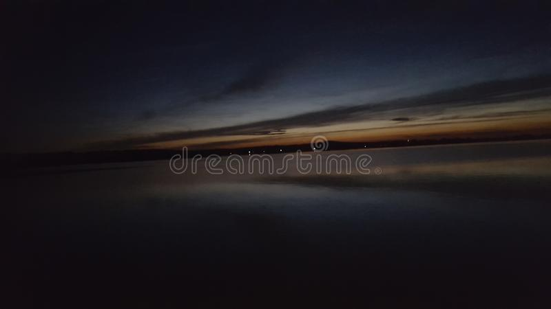 pôr do sol do lago foto de stock royalty free