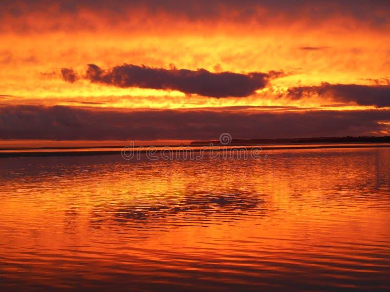 Pôr do sol na praia do inverloch fotografia de stock royalty free