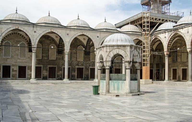 P?tio azul da mesquita, Istambul imagens de stock royalty free
