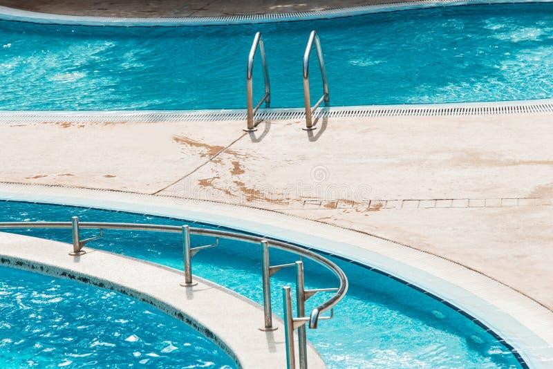 Download Pływacki basen zdjęcie stock. Obraz złożonej z basen - 28956182