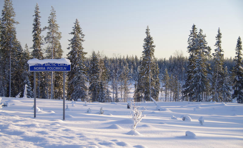 País das maravilhas do inverno no círculo polar fotografia de stock