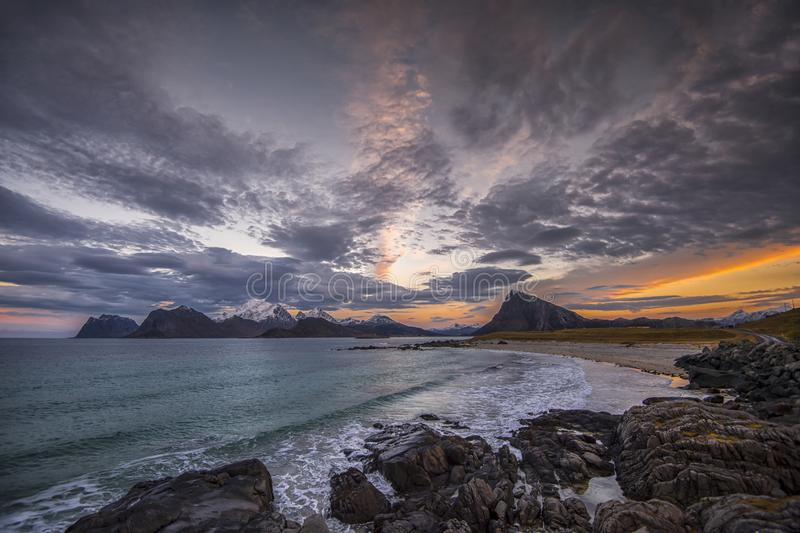 País dos duendes Arquipélago de Lofoten fotografia de stock royalty free