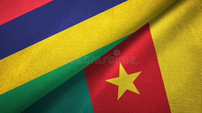 Paño de la materia textil de las banderas de Mauricio y del Camerún dos, textura de la tela fotografía de archivo libre de regalías