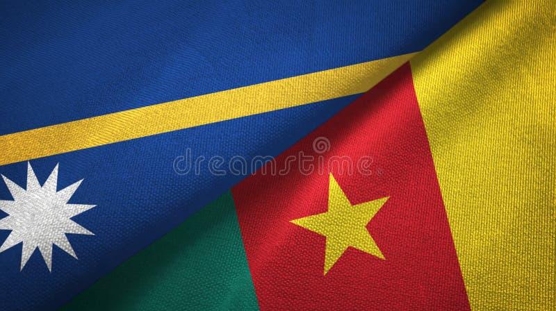 Paño de la materia textil de las banderas de Nauru y del Camerún dos, textura de la tela foto de archivo libre de regalías