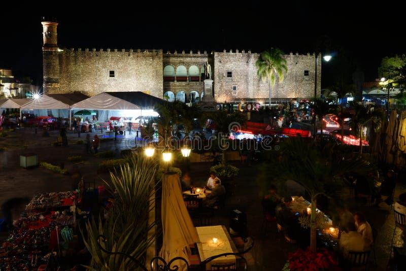 Pałac Cortes i pamiątka wprowadzać na rynek, Cuernavaca, Meksyk zdjęcia stock