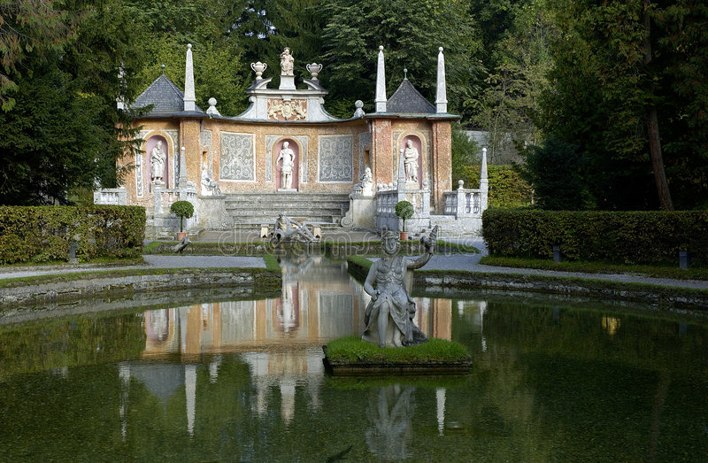 pałac hellbrunn park zdjęcie royalty free