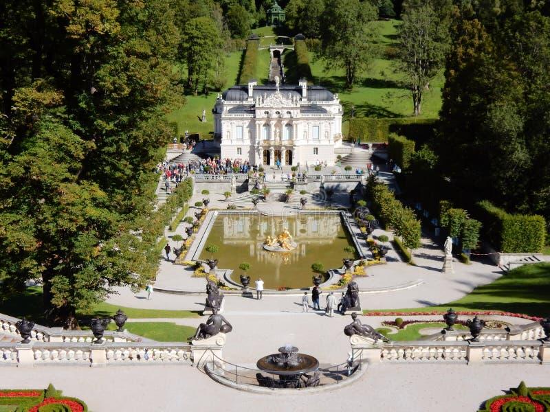 Pałac Linderhof Niemcy - Romantyczny kasztel w rokoko stylu - zdjęcie stock
