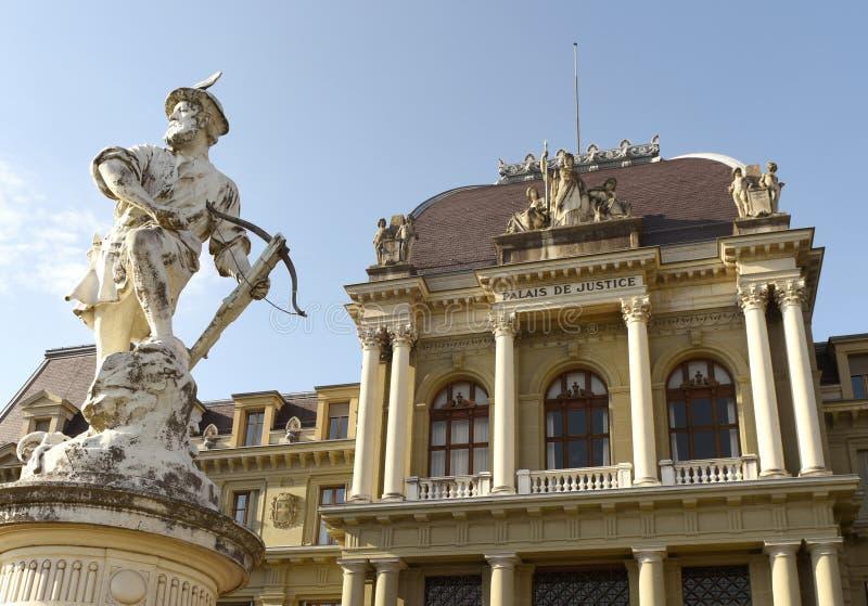 Pałac sprawiedliwość, sąd rejonowy, sąd okręgowy Lausanne i rzeźba W, fotografia royalty free