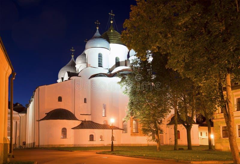 Październik noc przy St Sophia katedrą Kremlin Veliky Novgorod obrazy royalty free