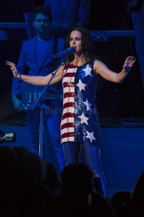 Download PA: Concerto De Hillary Clinton & De Katy Perry GOTV Em Philadelphfia Imagem de Stock Editorial - Imagem de voto, presidencial: 80102314
