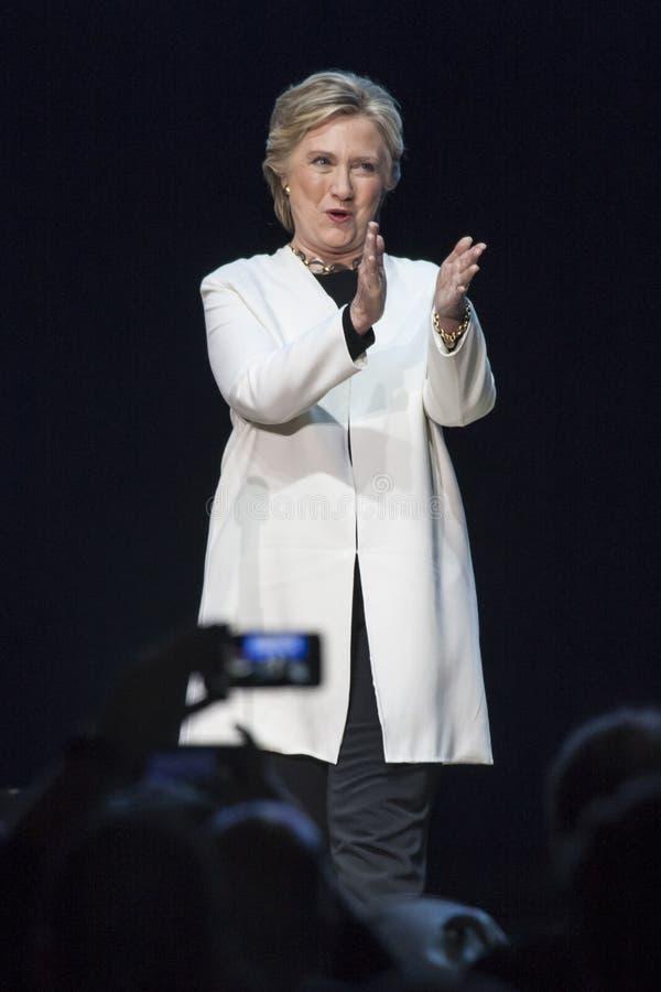Download PA: Concerto De Hillary Clinton & De Katy Perry GOTV Em Philadelphfia Foto de Stock Editorial - Imagem de secretária, filadélfia: 80102318