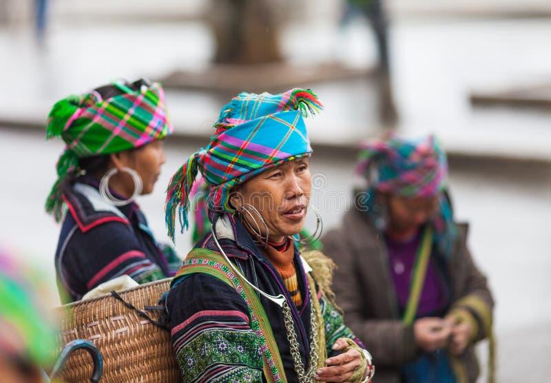 Pa do Sa, Vietname Retrato da mulher preta de Hmong foto de stock