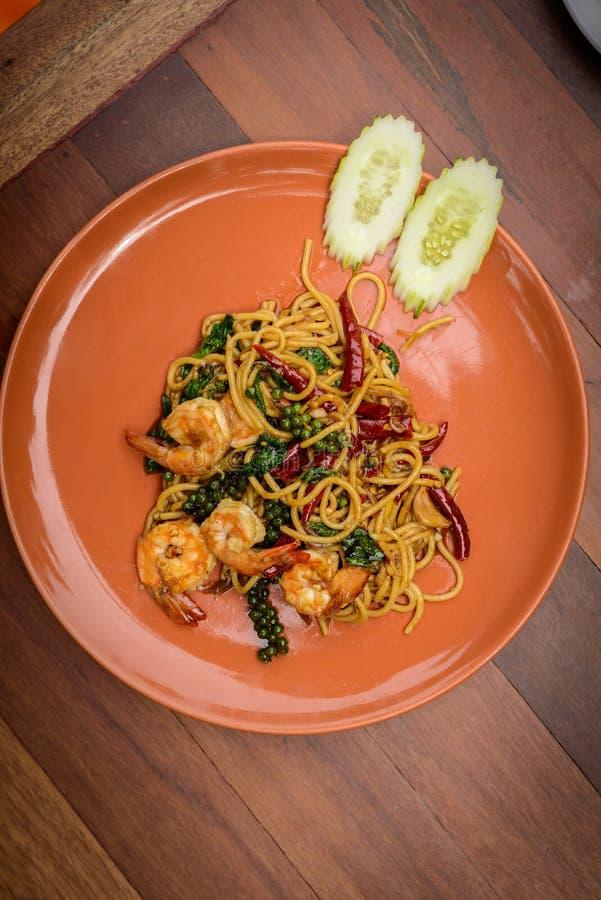PA tailandés sofrito de los espaguetis del estilo de la comida de los mariscos picantes de los espaguetis fotografía de archivo libre de regalías