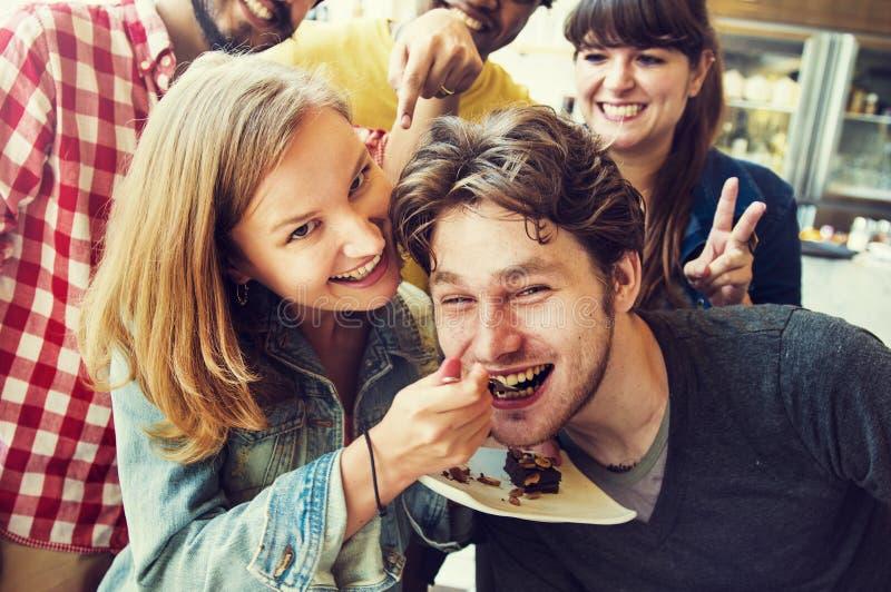 Paar-Bäckerei-Freund-Nachtisch-Bonbon-Konzept stockfoto